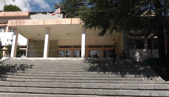 Mbyllen 41 degë në universitetet e rretheve, mes tyre edhe në Gjirokastër