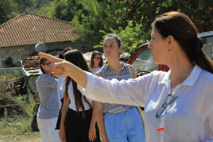 Kumbaro me studentët e Akademisë 100+ Fshatrat vizitojnë Nepravishtën dhe Libohovën (FOTO)