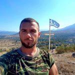 Dy ish-drejtorë të LSI-së në Gjirokastër miqësi me ekstremistin grek që qëlloi me armë policinë dhe po terrorizon Dropullin (FOTO)
