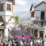 Si do të shmangen makinat nga Pazari i Gjirokastrës? Rama flet për një rrugë të re alternative
