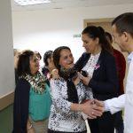 Ndërgjegjësimi kundër kancerit të gjirit, Kumbaro takim në Gjirokastër. Shoqëron gratë për mamografi në spital (FOTO)