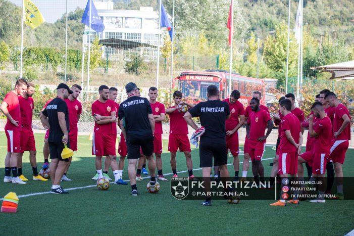 Partizani përgatitet për ndeshjen me Luftëtarin. Kush e fiton sfidën?