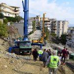 Bashkia Gjirokastër nis në mes të dimrit punimet për rrëshqitjet te 'Kodra e Shtufit'