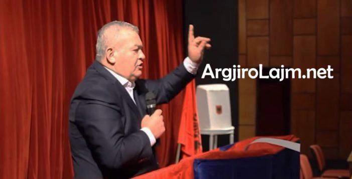 Dasho Aliko: Drejtorët e PS në Gjirokastër shpërndanin para me thasë për të blerë votat. Ne bridhnim pas xhipave të tyre