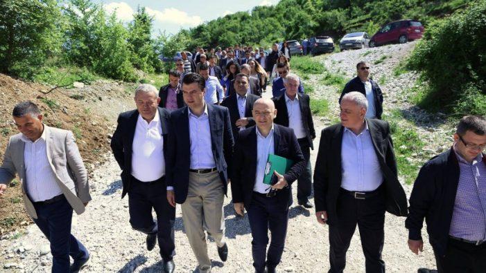Protesta e opozitës, Basha 'përjashton' Dasho Alikon, organizimin në Gjirokastër ua beson tre personave