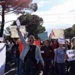 """""""S'ka më heshtje, s'ka pritje"""", studentët ndezin Tiranën. Vetëm në Gjirokastër bëhet mësim (VIDEO)"""