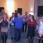 Lunxhotët festojnë në Athinë, ia merr valles edhe deputeti i Gjirokastrës (VIDEO)
