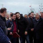 'Ta gëzoni dhe 'qëllofshi', ministri Çuçi u dorëzoi peshkatarëve portin e ri (FOTO)