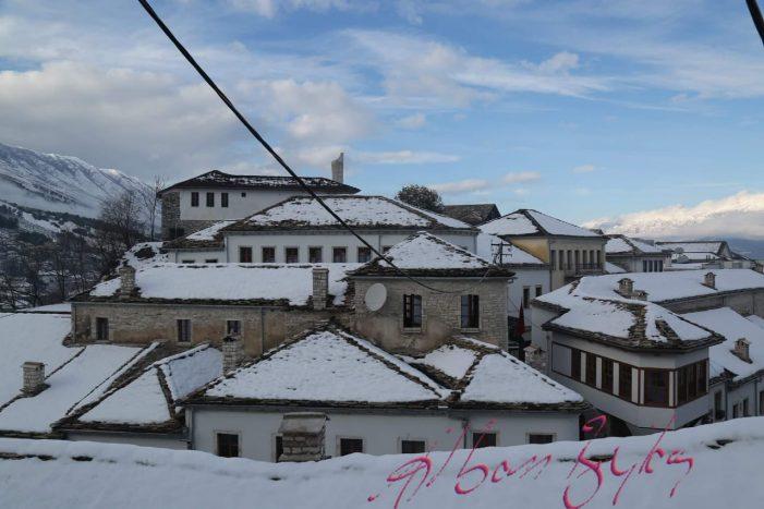 Gjirokastra nën dëborë, 10 foto që duhet t'i shihni me patjetër