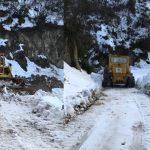 Emergjenca nga dëbora në Gjirokastër, zhbllokohet rruga e Fushëbardhës (FOTO)