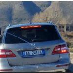 VIDEO/ Momenti kur Klement Balili futet në makinën e Ardi Veliut