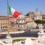 Italia hap dyert për punësimin e emigrantëve, përfitojnë edhe shqiptarët
