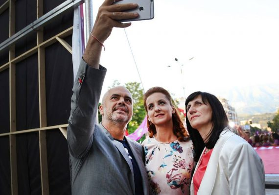 Rama të premten në Gjirokastër 'sjell' edhe një lajm për Zamira Ramin