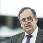 Djegia e mandateve, Fleckenstein: Jam i zhgënjyer, kjo quhet prishje kontrate