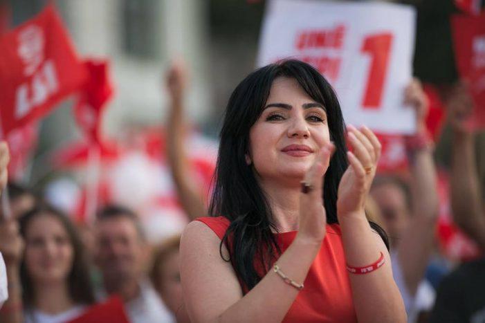Deputetja më e re e Gjirokastrës, pse hesht Ediola Braha?