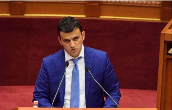 Flamur Golemi flet në Kuvend për HEC-in e Kolonjës, akuza edhe për Zamira Ramin: Bashkia Gjirokastër ka lënë fshatrat jashtë vëmendjes