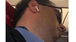 Opozita proteston kundër Ramës, Basha fle gjumë në avion