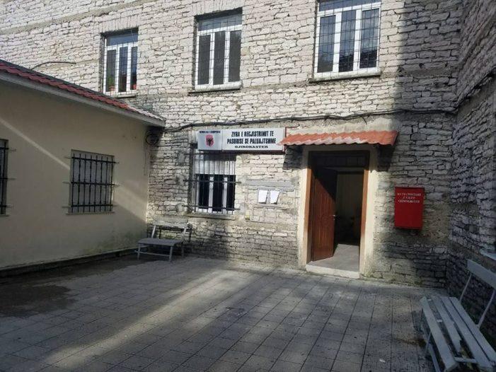 Shkrihet Hipoteka me ALUIZNI-in, nis rivaliteti në Gjirokastër për karrigen e drejtorit