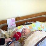 Historia e dhimbshme e gruas së moshuar, e internuan në Tepelenë, e sorollasin prej 8 vitesh për të marrë lekët e dëmshpërblimit