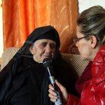 Gruaja e rallë, 86-vjeçarja ka bërë 13 fëmijë: 5 ditë pas lindjes filloja punë