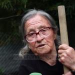 Njihuni me 85-vjeçaren nga Gjirokastra, e pasionuar pas bletëve e bimëve (VIDEO)