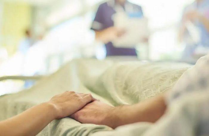 E rrallë/ Gruaja papritur zgjohet nga koma pas 28 vitesh