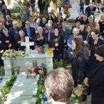 Ceremonia për 6 muajt e ekstremistit Kacifas, shihni çfarë ndodhi sot në Bularat (FOTO & VIDEO)