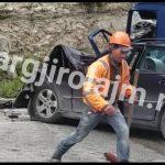 Pamje nga aksidenti i rëndë në Levan-Tepelenë, shihni si janë përplasur makinat (VIDEO)