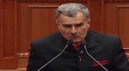 'Kaubojsi' i PD-së në Kuvend: Gramoz Ruçi i fiton bastet se është nga Tepelena