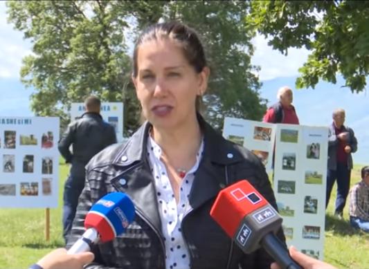 Mirela Kumbaro: Protestat e opozitës po dëmtojnë turizmin. Para ca ditësh një grup turistësh ishin bllokuar nga protesta e PD-së pranë Urës së Leklit