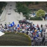 VIDEO/ Shihni punonjësit e Bashkisë Përmet në protestë kundër Edi Ramës