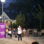 Mirela Kumbaro prezanton Luiza Mandin në Libohovë. Nis fjalen duke lexuar nenin 325 të Kodit Penal: Kush cënon zgjedhjet shkon në burg (FOTO)