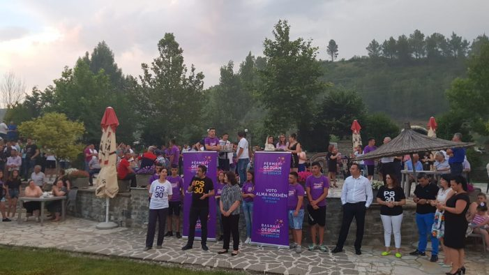 PS feston 28 vjetorin në Përmet, Niko Shupuli iu vë flakën plehrave