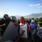 Gjirokastër, militantët e PD-së përplasen me policinë (VIDEO)