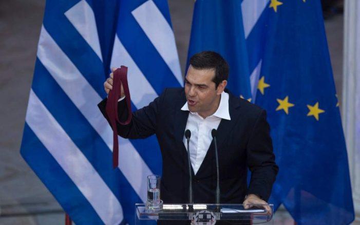 Përse e rrëzuan grekët Tsiprasin?