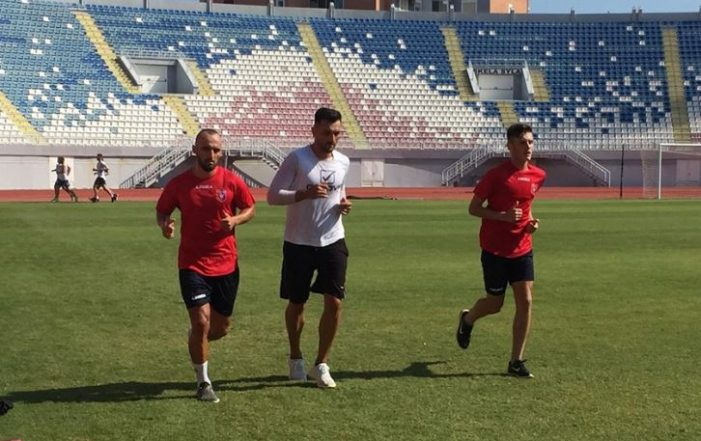Nga Gjirokastra në Shkodër, ish futbollisti i Luftëtarit firmos për Vllazninë