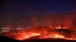 Pamje spektakolare, zgjodhet vullkani Etna (VIDEO)