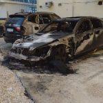 Shkrumbohen gjatë natës dy makina, dyshohet zjarrvënie e qëllimshme