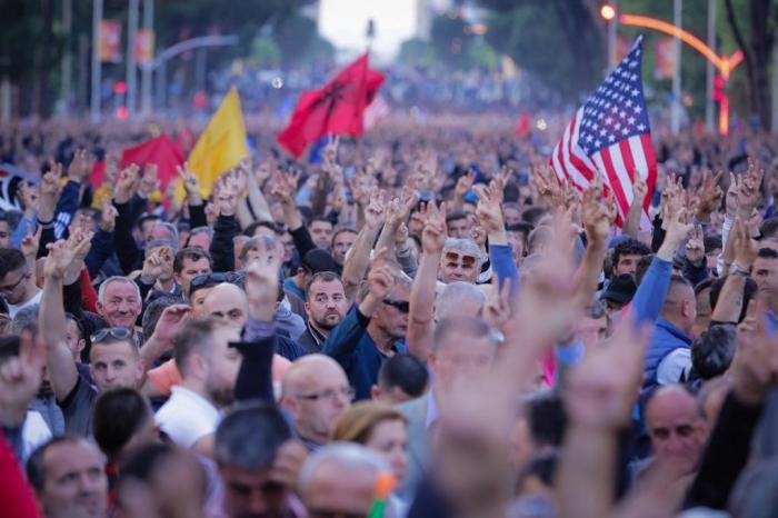 Problemi më i madh i opozitës janë…shqiptarët!