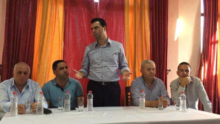 Basha takohet me militantët e PD-së në Libohovë, i mban me shpresë për zgjedhje të parakohshme (FOTO)