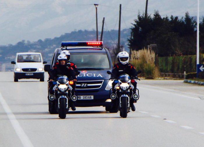 Aksidenti në Gjirokastër, përplasja ndodhi në sy të policëve të patrullës në Grapsh. 62-vjeçari zbriti për të takuar oficerët