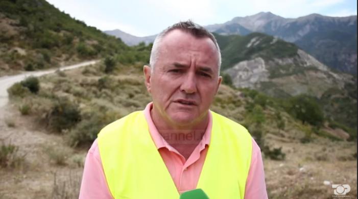 Gjirokastër, Ylli Muho 'përvesh mëngët' në Fushëbardhë, nis pastrimi i mbetjeve në zonat rurale (VIDEO)