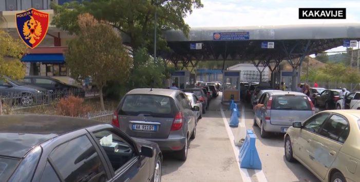 Disa ikin dhe të tjerë vijnë, fluks në pikat kufitare me Greqinë