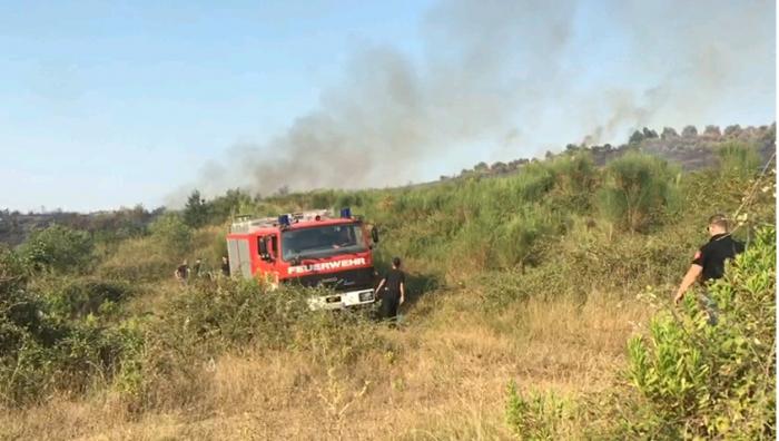'Gërdec' në Tepelenë, zjarr në zonën me predha