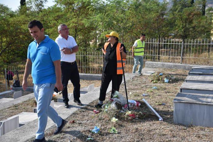 'Çmendet' Flamur Golemi, kryebashkiaku i majtë nderon ballistët në Gjirokastër (FOTO)