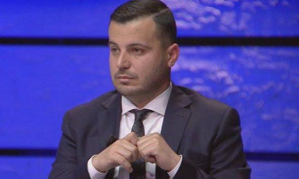 Basha premton 300 euro rrogë minimale, gazetari e kap 'mat' me rastin e senatorit amerikan