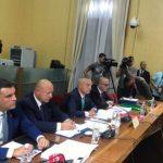 Presidenti Meta 'shuplakë' opozitës: U tregua e papërgjegjshme me djegien e mandateve