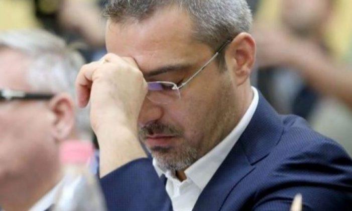 FOTO/ Shihni si po e pret Saimir Tahiri vendimin
